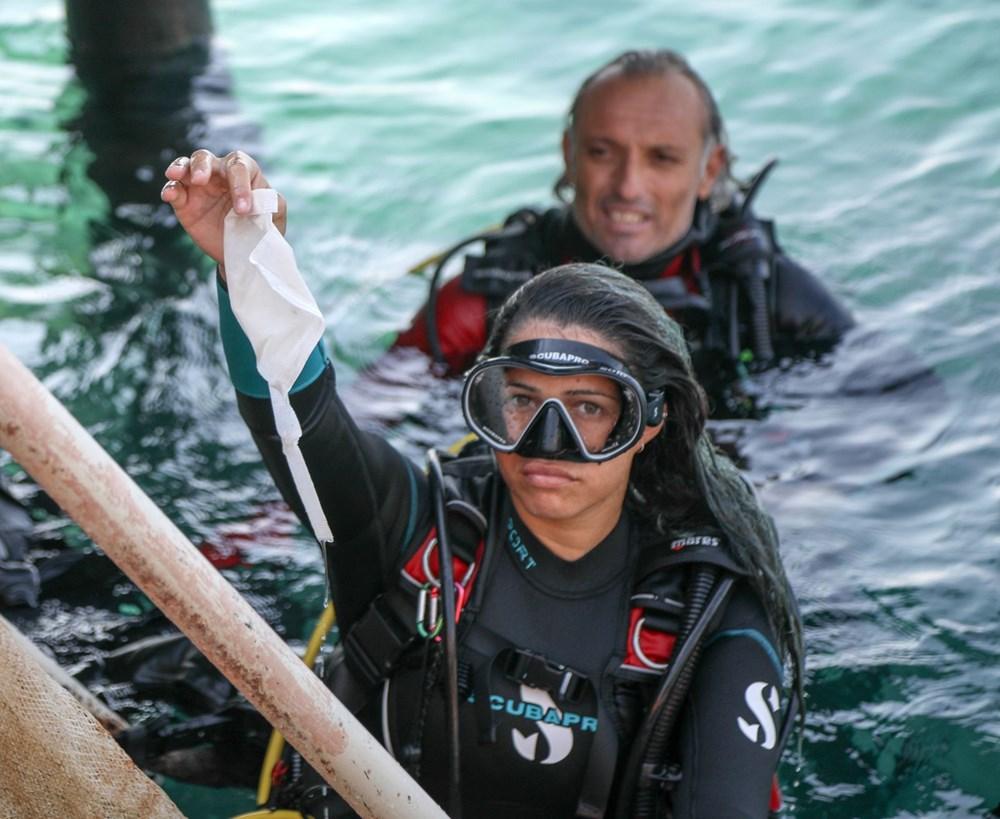 Deniz tabanı maske ve eldiven dolu - 1