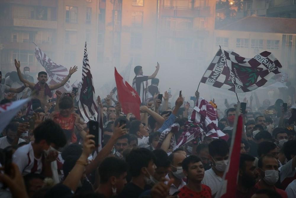 Hatayspor'un şampiyonluğu kentte büyük bir coşkuyla kutlanıyor - 4