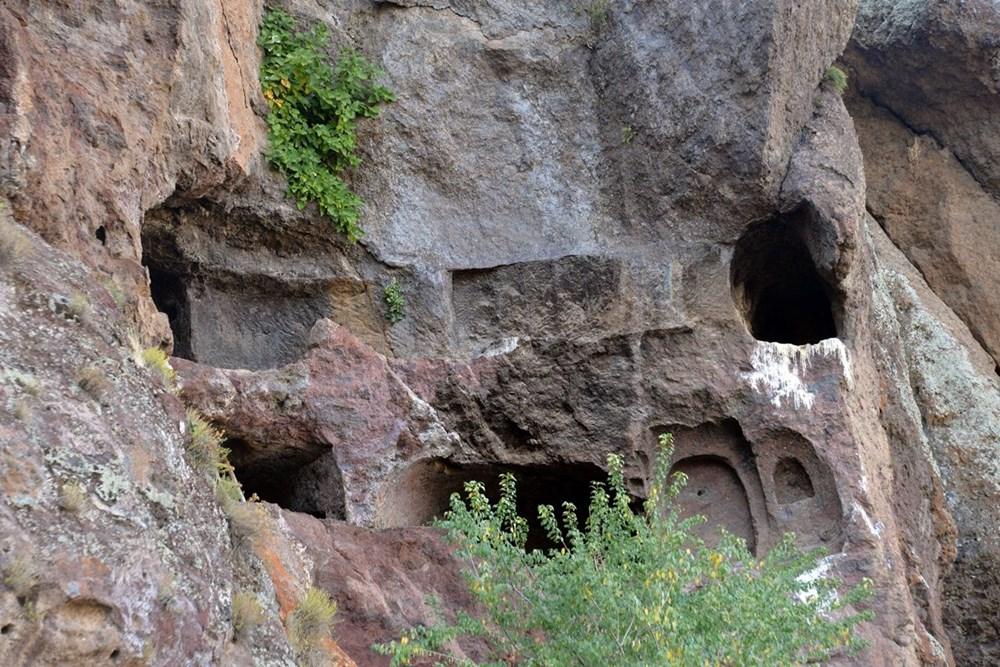 Hristiyanların gizli ibadet yaptıkları 1500 yıllık mağaralar ilgi çekiyor - 3