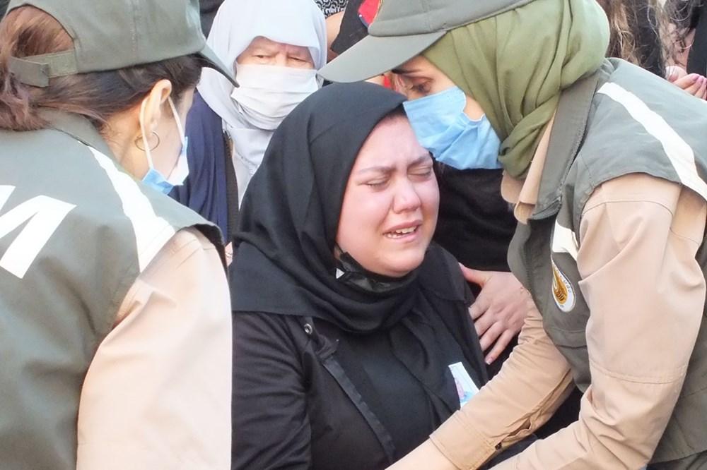 Manavgat'taki yangında ölen orman işçisi babasını cübbesiyle uğurladı - 15