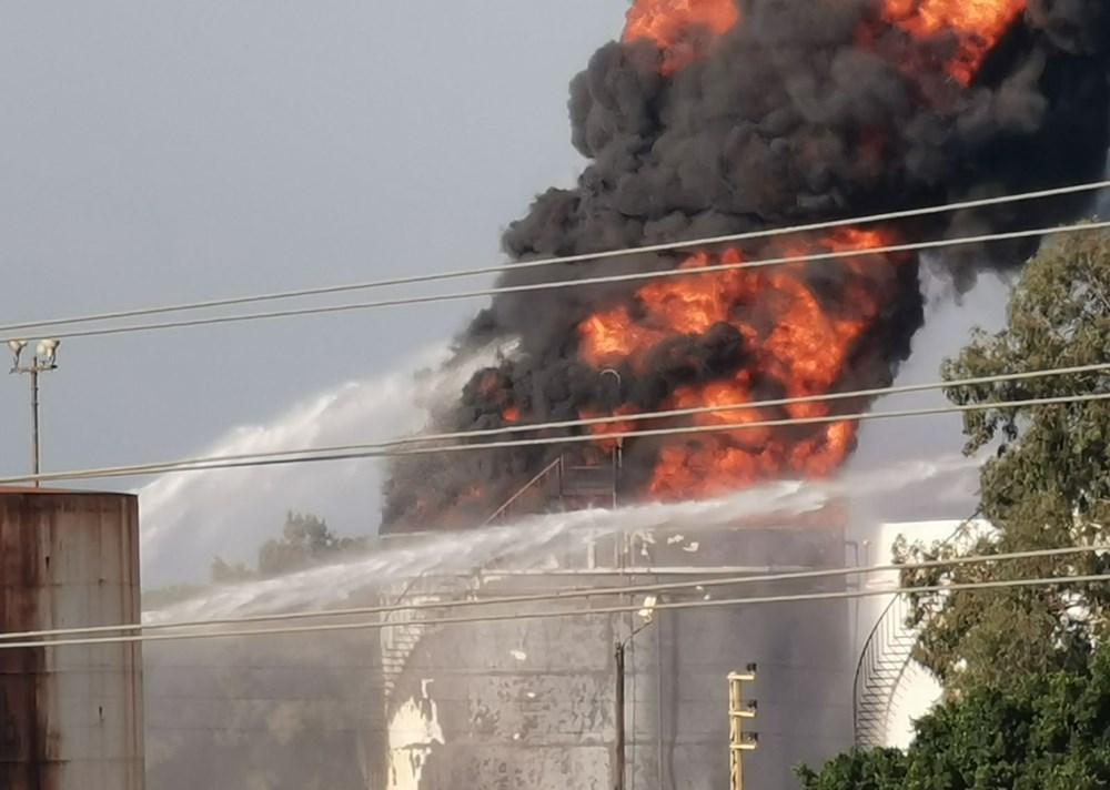 Lübnan'da petrol tesisinde yangın - 1
