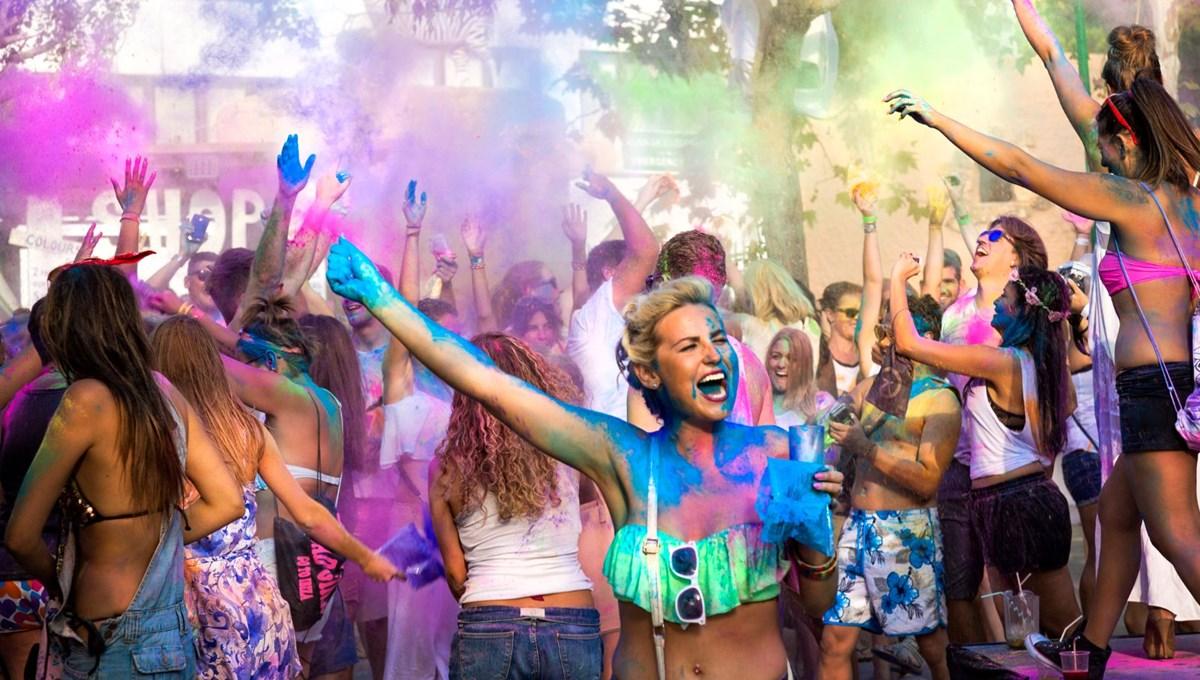 Ibiza'da corona vakaları patladı: Polis 'parti ajanı' olacak turist arıyor