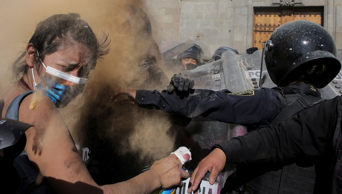 Women protest against police violence in Mexico: 32 injured