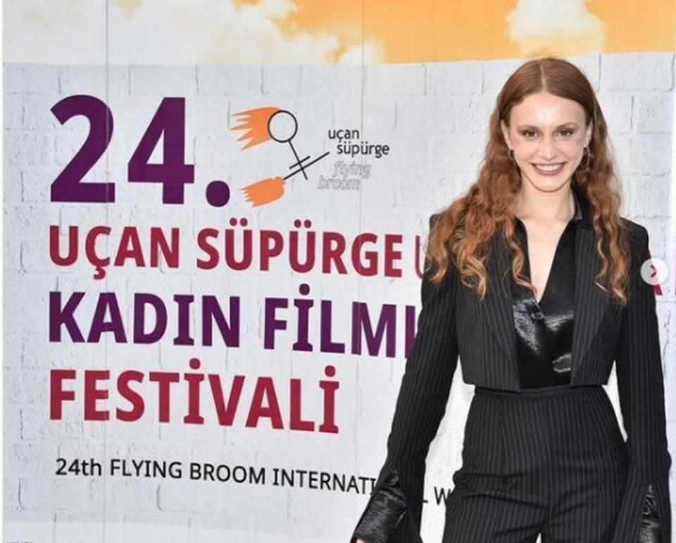 Menajerimi Ara dizisi oyuncusu Ahsen Eroğlu,Genç Cadı Ödülü'nün sahibi oldu.