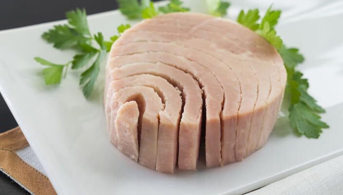 Ton balığı iftar sofralarına da girdi