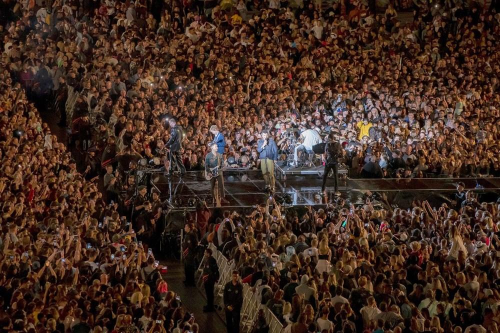 Dünya karantinadayken Yeni Zelanda'da 50 bin kişilik konser - 3