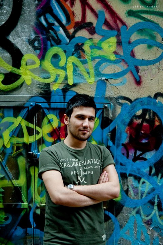 Democratus'un kurucusu Murat Aydemir.