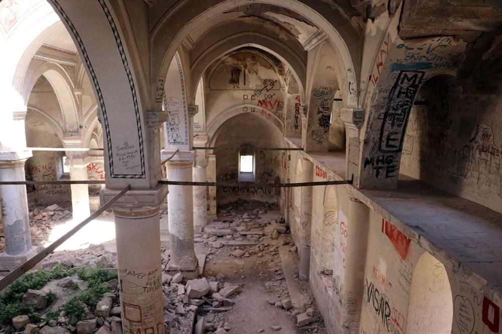 Definecilerin tahrip ettiği tarihi kilise, restore edilecek - 7