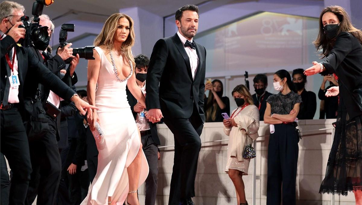 Jennifer Lopez ile Ben Affleck Venedik Film Festivali'nin kırmızı halısında