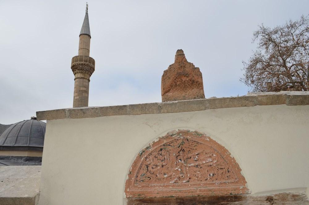 Tarihi camideki restorasyonda Osmanlı motifleri ortaya çıktı - 4