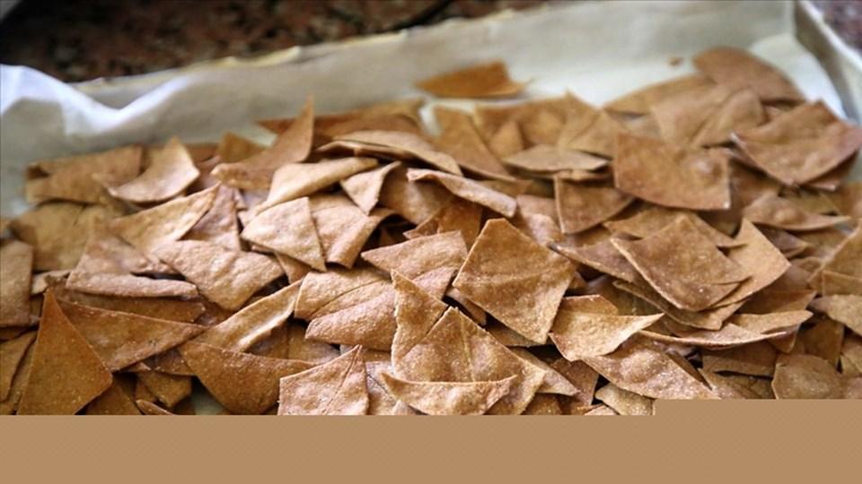 Hitit buğdayı olarak bilinen siyez buğdayından yapılmış tarhanadan cipsi