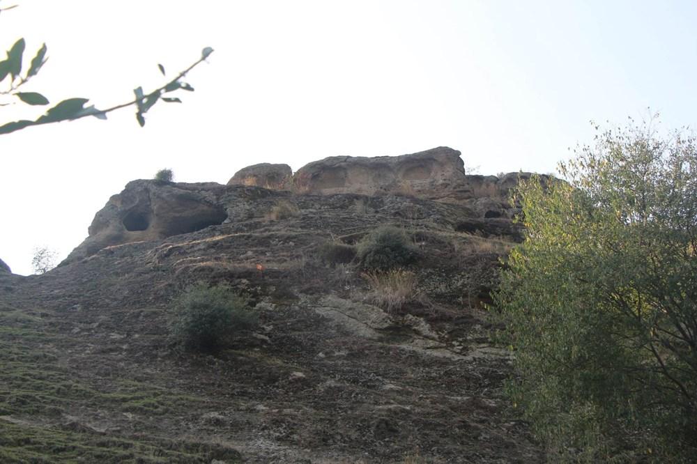 60 bin yıllık mağaranın duvarları yazı tahtasına döndü - 11
