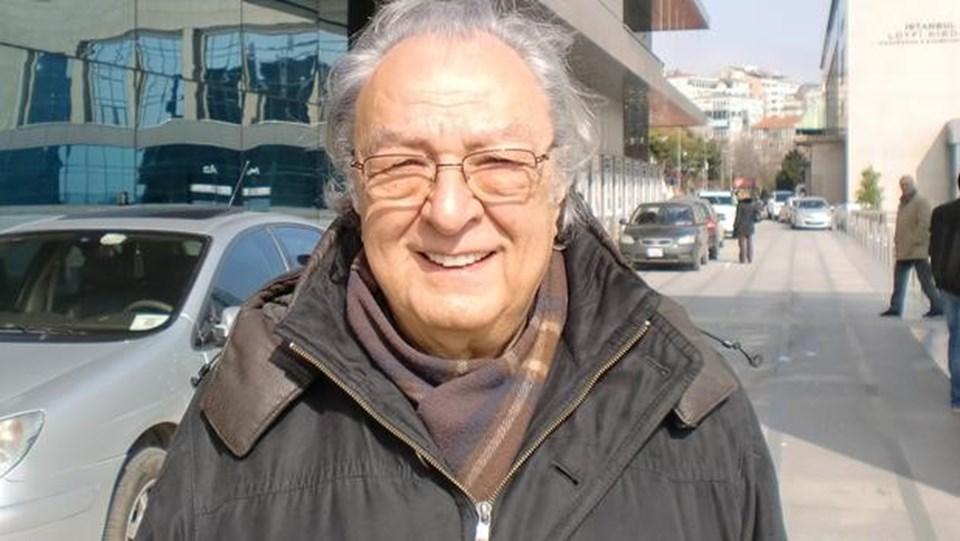 Tiyatro eleştirmeni ve yazar Üstün Akmen 2015 yılında hayatını kaybetti.