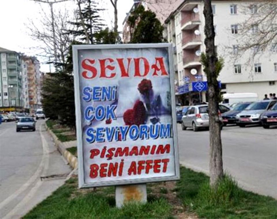 Seydişehir'deki bilboardları süsleyen aşk ilanı...