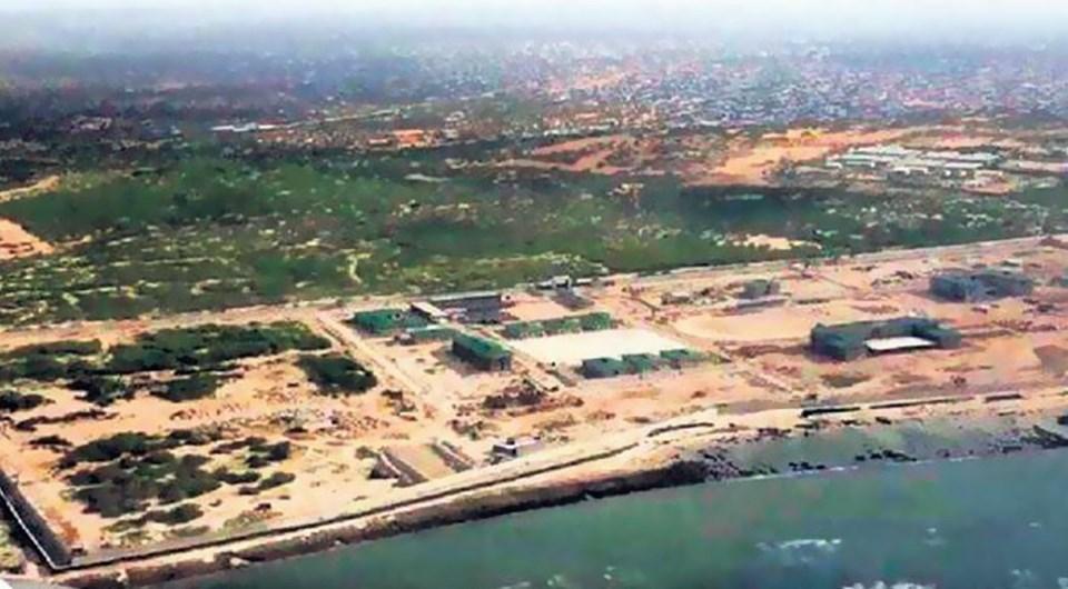 Türkiye yurtdışındaki ilk askeri üssünü Somali'de kurdu. Üste 200 Türk askeri görev yapacak.