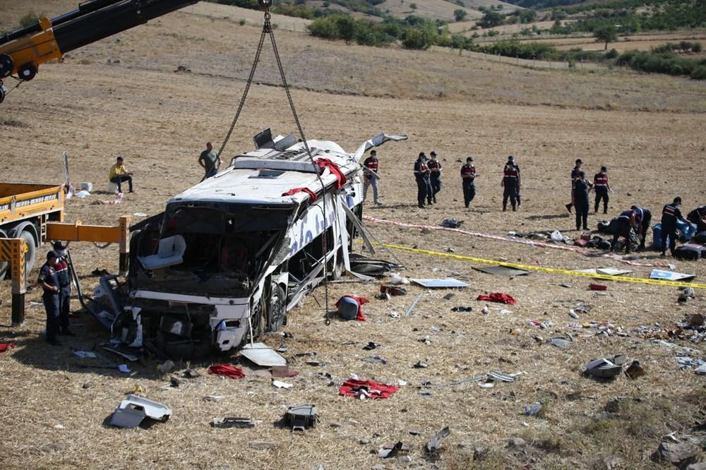 Balıkesir'de yolcu otobüsü devrildi: 15 kişi hayatını kaybetti - 30