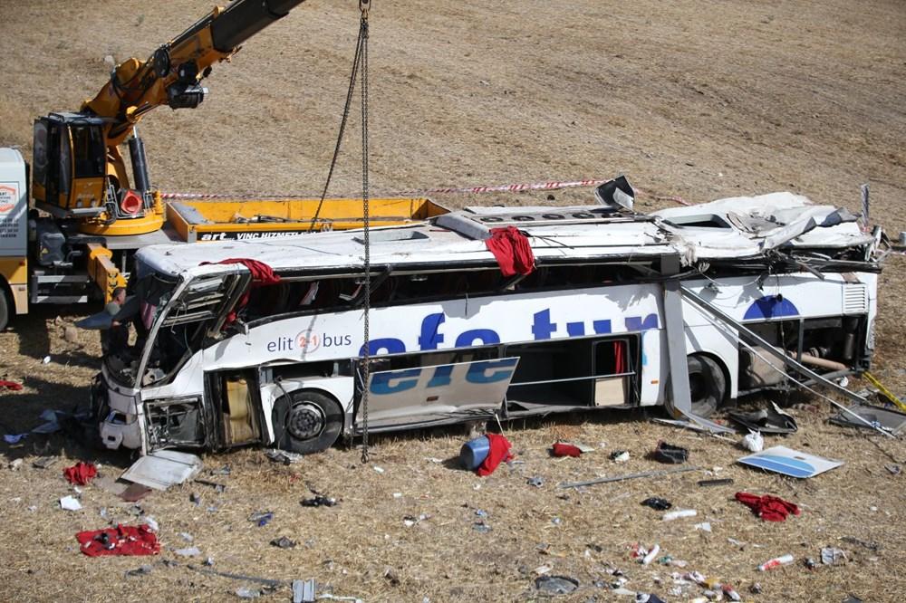 Balıkesir'de yolcu otobüsü devrildi: 15 kişi hayatını kaybetti - 39