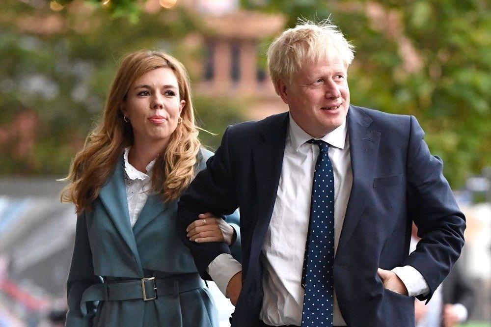 Boris Johnson'ın başı evine yaptırdığı dekorasyonla dertte - 5