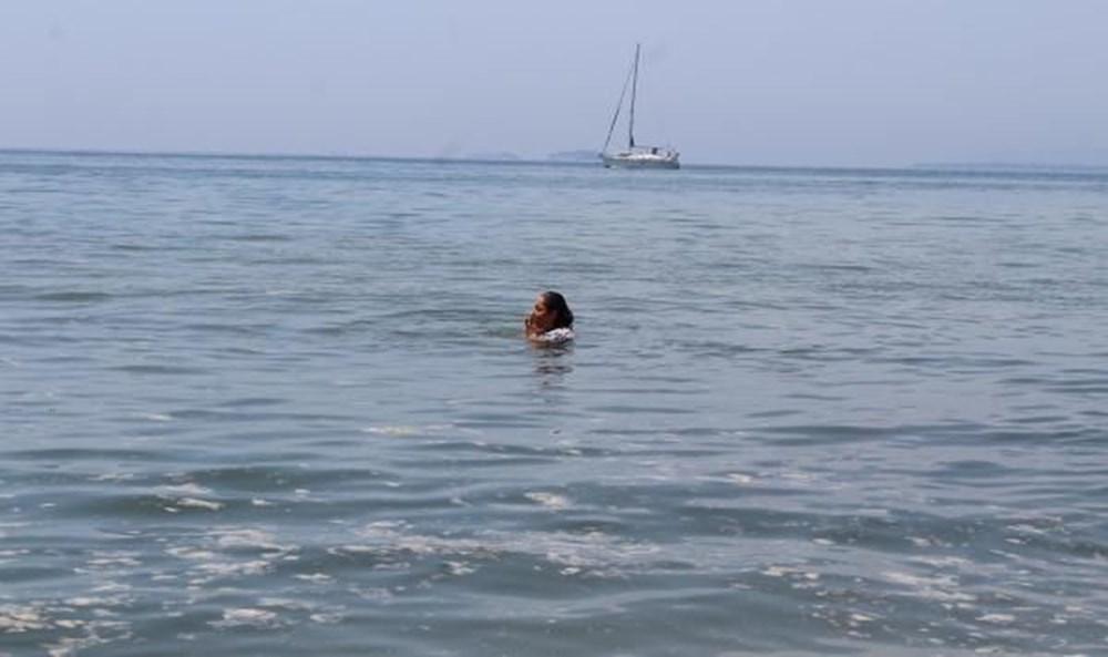 Darıca'da müsilaja rağmen denize girdiler - 4