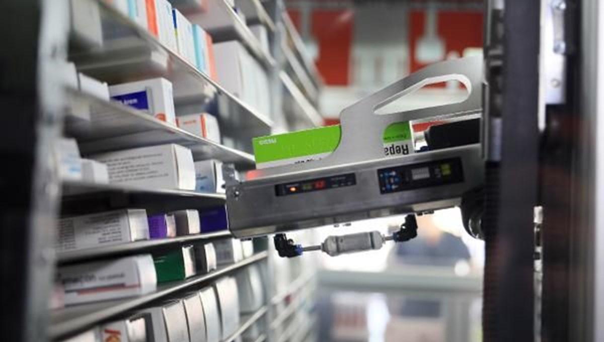 'Robot pharmacist' at work