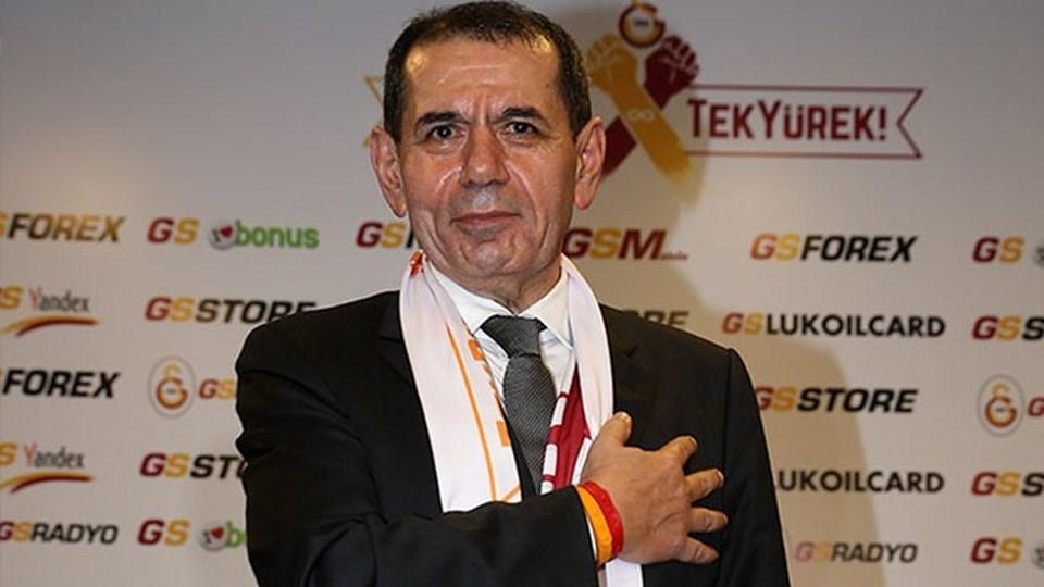 """Galatasaray Kulübü Başkanı Özbek, """"Kampanyaya başlarken hedefimiz 1 milyon bileklik satmaktı. Bu hedefi 2 milyona çıkardık"""" - """"Galatasaray Sportif AŞ, mayıs ayı sonunda kar eden bir kuruluş haline gelecek. Bunu çok iddialı söylüyorum"""" - """"UEFA bizim bu çabamızı görmezden gelemez. Gelmemesi lazım"""" ifadelerini kullandı."""