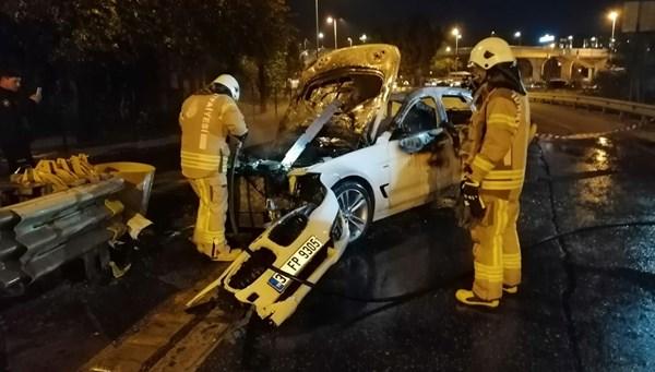 Üsküdar'da bariyerlere çarpan otomobil yandı
