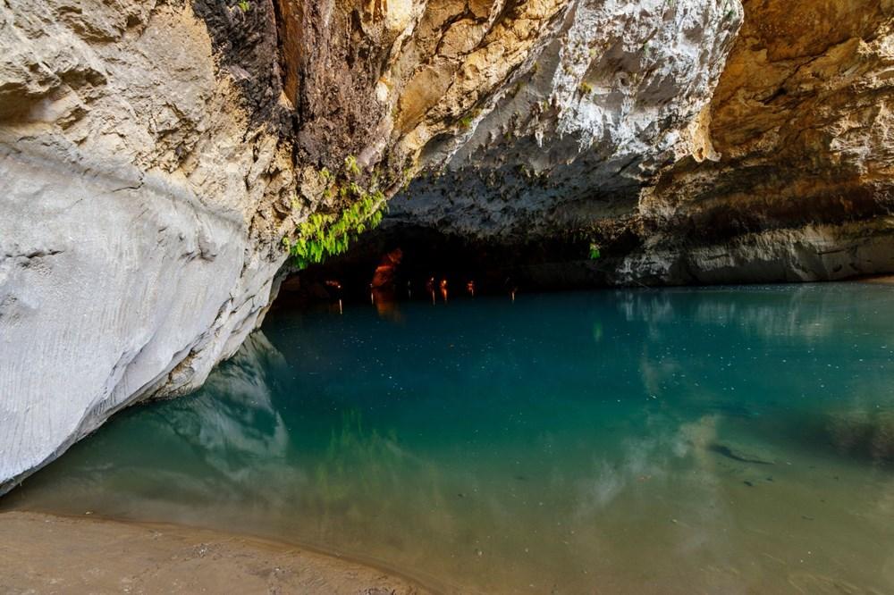 Türkiye'nin en büyük yeraltı gölü: Altınbeşik Mağarası - 13