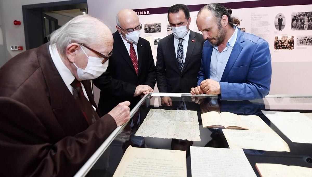 Ahmet Hamdi Tanpınar'ın yazılı peçetesi ve senaryo planı ilk kez sergilendi