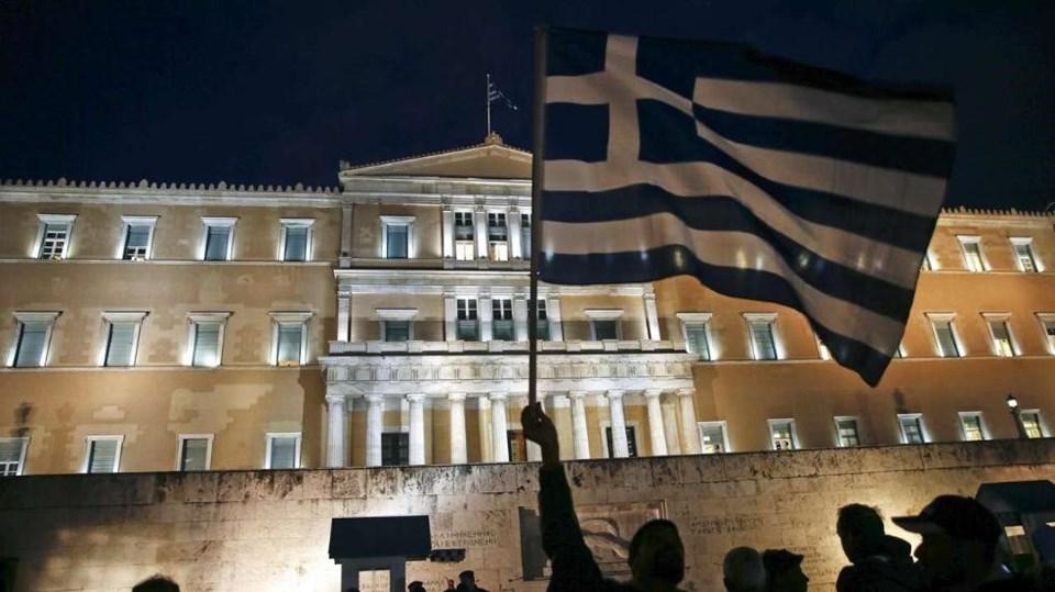 Yunanistan dün Euro Bölgesi'yle anlaşmaya varmadan masadan kalktı. Yunan halkı ise hükümetin tutumuna destek verdi.