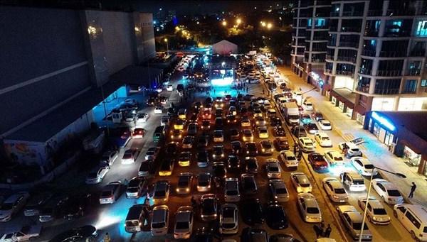 Arabalı açık hava sineması etkinliği Elazığ'da da yapıldı