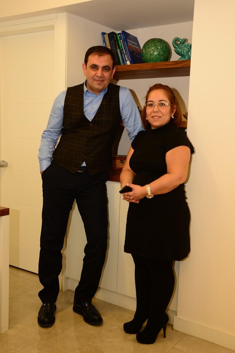 Doç. Dr. Yener Demirtaş ve hastasıZeynep Tanrıverdi