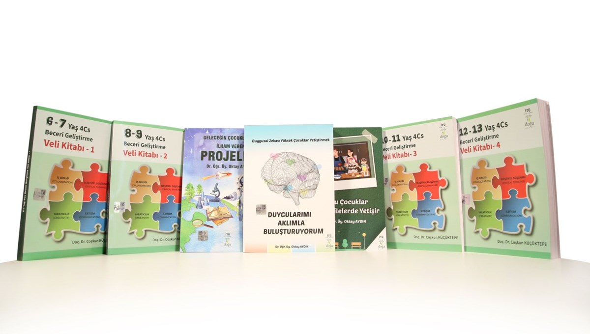 Evdeki gönüllü eğitmenler için veli kitapları yazıldı