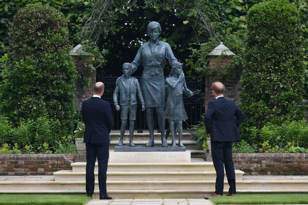 Prenses Diana'nın 60'ıncı doğum gününde Kensington Sarayı'nda heykelinin açılışı yapıldı - 13