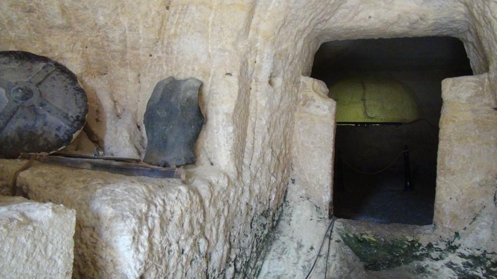 Şanlıurfa'da 2 bin yıllık tarihi kaya mezarları ziyarete açıldı - 11