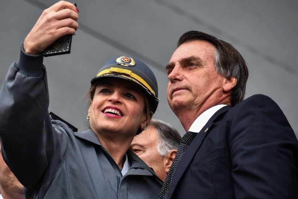 """Ortadoğu'yu """"dünyanın çöplüğü"""" olarak nitelendiren Jair Bolsonaro kadınlara daha az maaş ödenmesini savunuyor."""