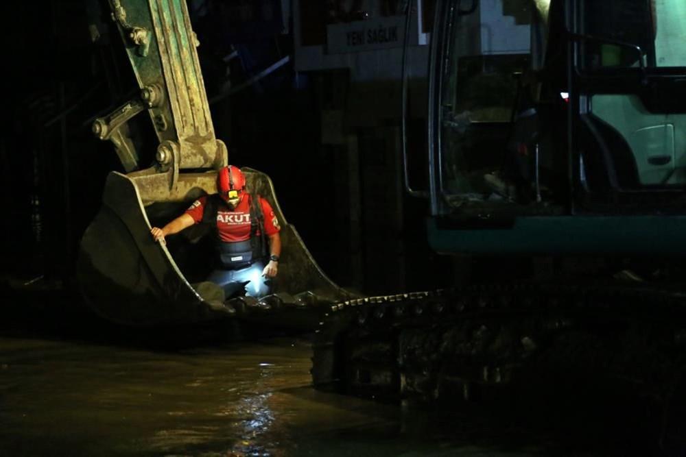Selin vurduğu kentlerde tahliye çalışmaları sürüyor - 2