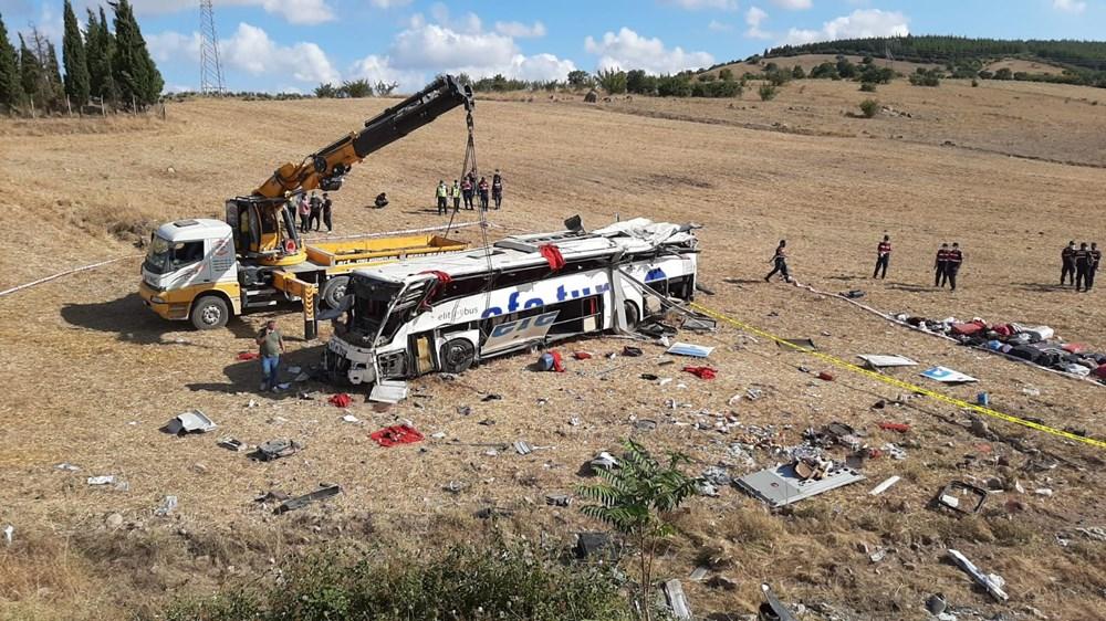 Balıkesir'de yolcu otobüsü devrildi: 15 kişi hayatını kaybetti - 22