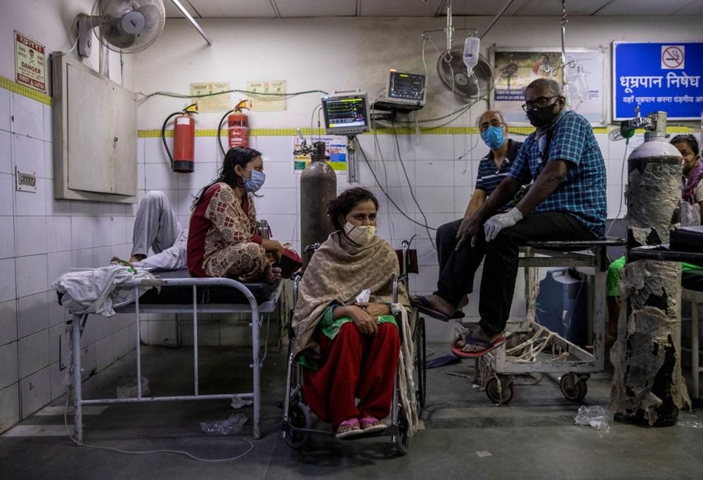 Hindistan'da günlük Covid-19 vaka sayısı üst üste rekor kırdı: İki hasta aynı yatakta tedavi görüyor - 5