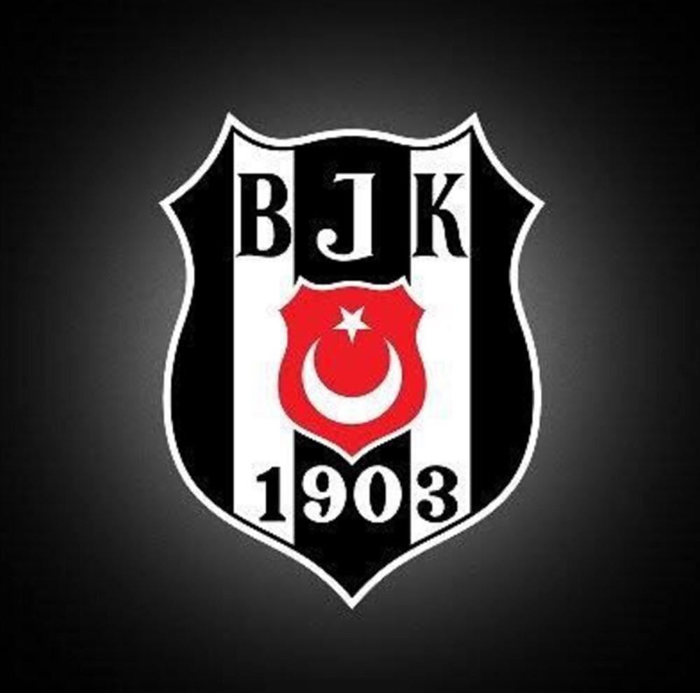Ünlülerden Beşiktaş'ın şampiyonluk paylaşımları - 8