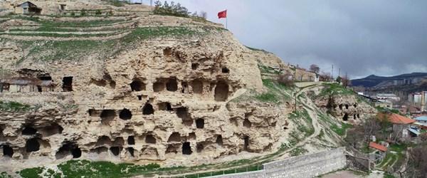 Sivas'taki 4 bin yıllık 'Hitit' evleri hayranlık uyandırıyor