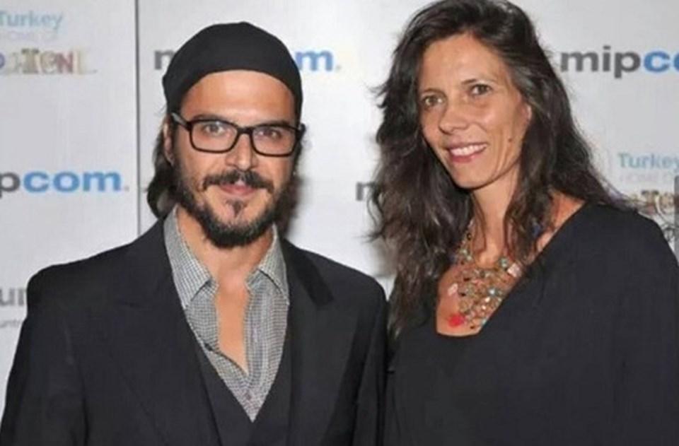 Günsür ileİtalyan yönetmen Katerina Mongio2006 yılında evlendi.