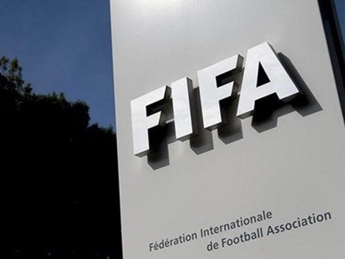 """FIFA'dan futbol paydaşlarına """"George Floyd"""" uyarısı"""