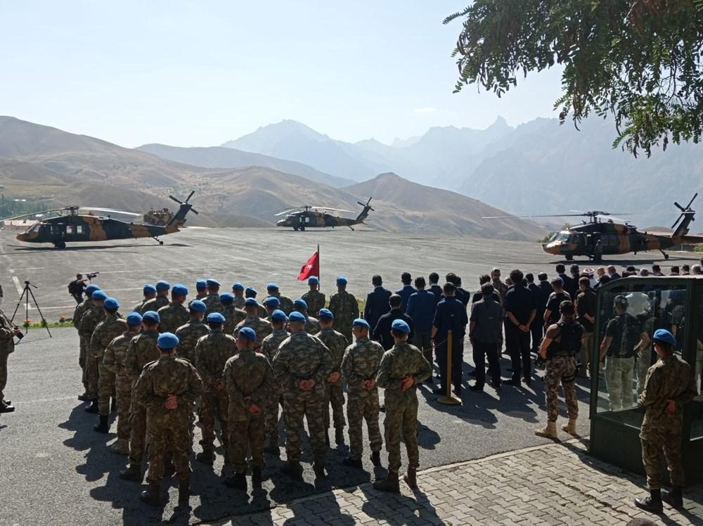 Şehit askerler için tören - 1