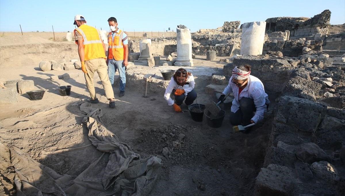 Hatay'da Epiphaneia Antik Kenti kazılarında tapınaktan dönüştürülmüş kilise bulundu