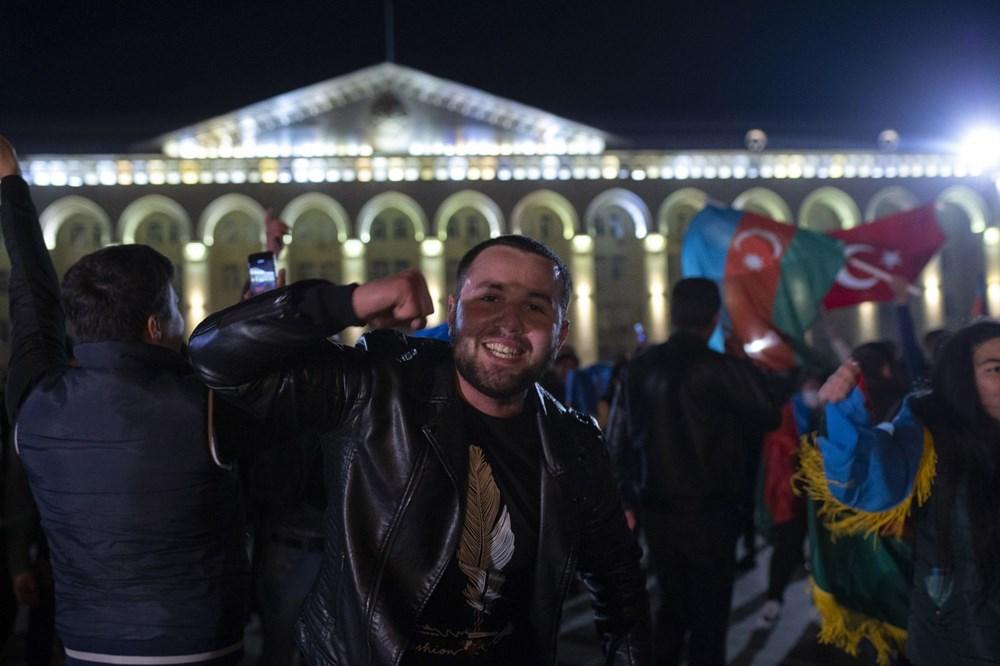 Azerbaycanlılar, Dağlık Karabağ'da varılan anlaşmayı coşkuyla kutluyor - 8