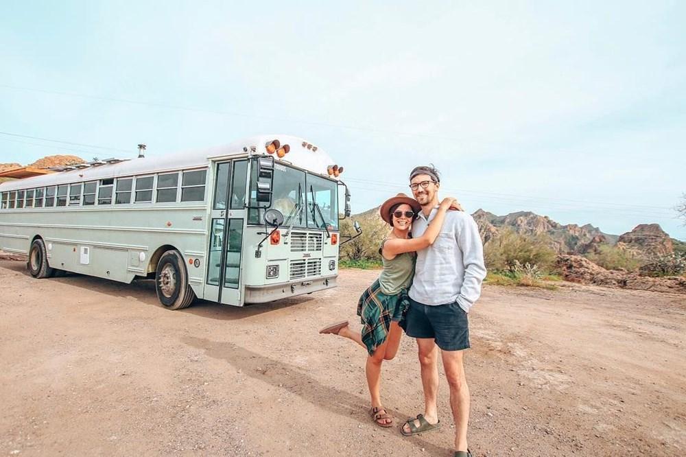 İşlerinden istifa edip karavana çevirdikleri okul servisiyle dünya turuna çıktılar - 30