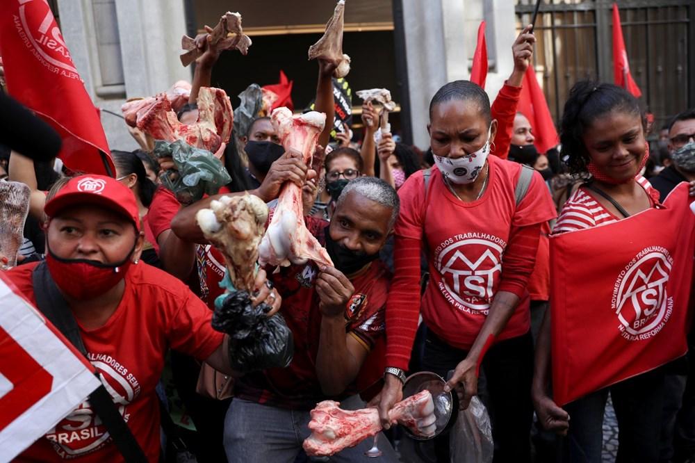 Ekonomik eşitsizliği protesto eden halk Brezilya'da borsa bastı: Yüz milyon kişi açken, milyar dolarlar kazanmanızı kabul etmiyoruz - 6