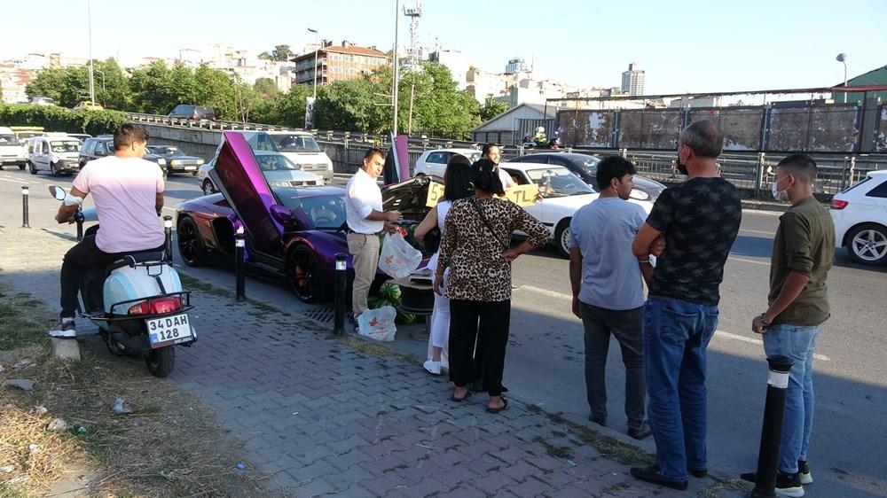 Beyoğlu'nda lüks otomobilde 5 liraya karpuz sattı - 4