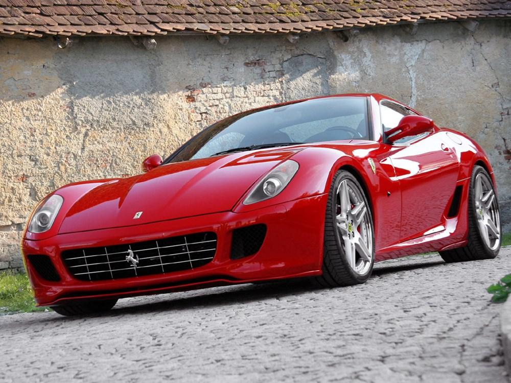 Cristiano Ronaldo dünyanın en pahalı arabasını aldı (Ronaldo'nun otomobil koleksiyonu) - 24