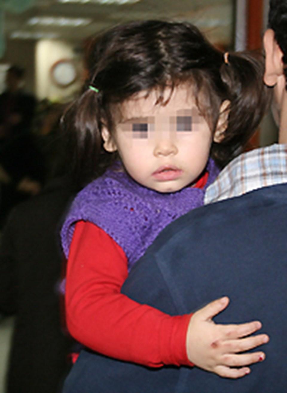 Cinayet 1,5 yaşındaki küçük kızın gözleri önünde işlendi.